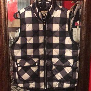 Woolrich plaid vest, black&white size M